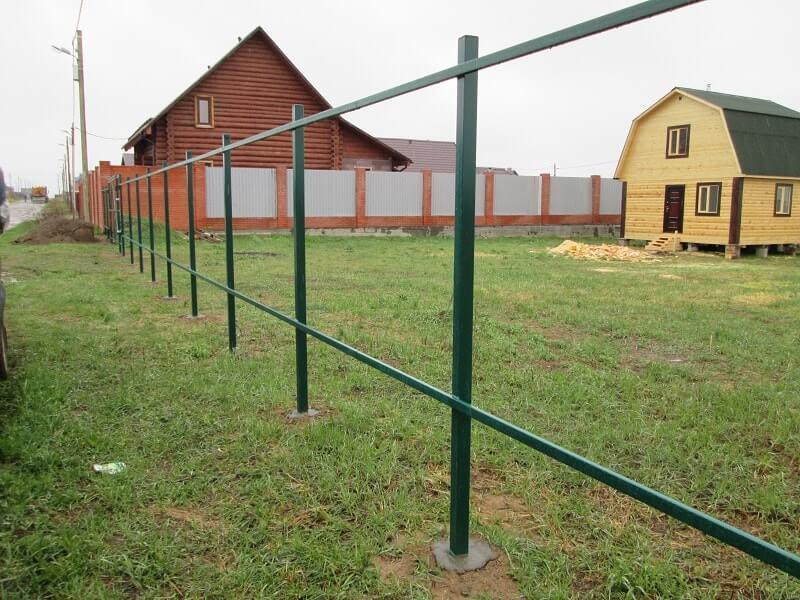 Заборы в Томске из профнастила цена с установкой под ключ, деревянные, кирпичные, заборы из сетки рабицы недорого с гарантией, установка ворот, калиток.
