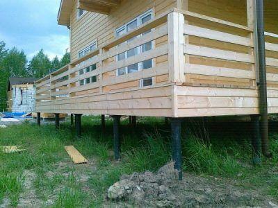Новый фундамент на винтовых сваях, реконструкция фундаментом домов.